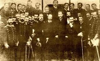 Cáceres y los oficiales de la resitencia