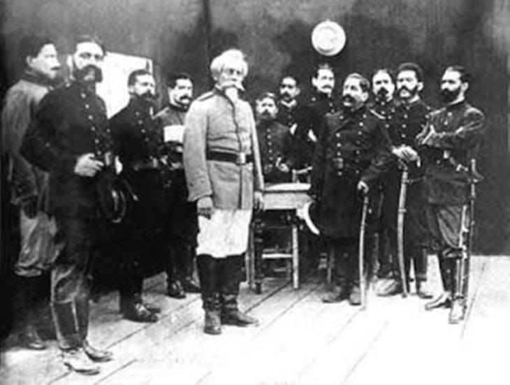Bolognesi y sus comandantes