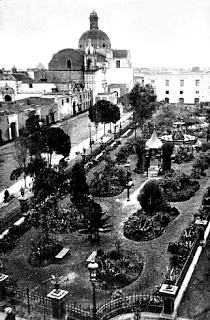 ¨lazuela de Santa Ana o Plaza Italia