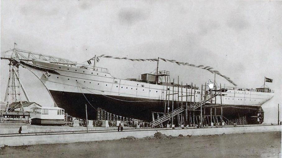 Juan Sebastián Elcano, botado en Cadiz, España
