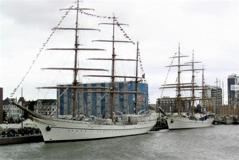 Sagres acoderado en Bremenhaven wn 2005